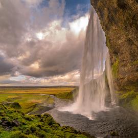 Seljalandsfoss by Roberto Melotti - Landscapes Waterscapes ( seljalandsá, iceland, roberto melotti, seljalandsfoss, waterfall, nikon d810 )