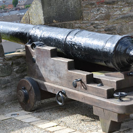 Load 'em up by Caleb Wagner - Buildings & Architecture Public & Historical ( ireland, siege, cannons, wall, war )