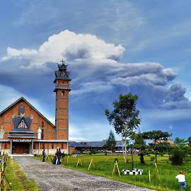 Sinabung Eruption by Kriswanto Ginting's - News & Events Disasters ( kabanjahe, church, north sumatra, eruption, sinabung )