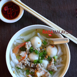 Rice Noodle Soup (Bee Thai Bak)