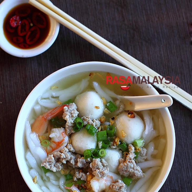 Rice Noodle Soup (Bee Thai Bak) Recipe | Yummly