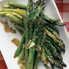 Garlicky Roasted Asparagus