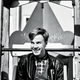 Lad by Vlad Meytin - People Portraits of Men ( guy, vladsm, portraits portrait, pictures, st. petersburg, art pictures, photography, meytin, russia, www.flickr.com/photos/vmwelt, vlad meytin, k.h. imporium co., portraits, vladsm.com )