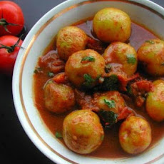 Spicy Potatoes (Rasadar Aloo)