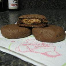 Chocolate Cookies With Creamy Peanut Butter Filling