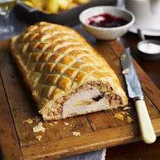 Turkey, Brie & cranberry Wellington