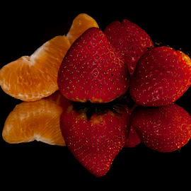 succulent by Alí AWaís - Food & Drink Fruits & Vegetables ( orange, fruit, reflection, food, strawberry, black )