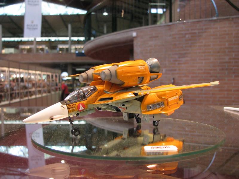 Avion futuriste
