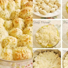 Garlic Cheese Pull Apart Bread with Frozen Bread Dough