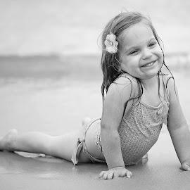 Beach baby by Lucia STA - Babies & Children Children Candids