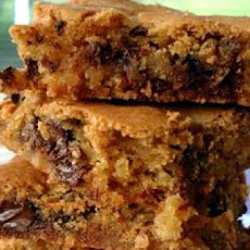 Chewy Chocolate Chip Bars