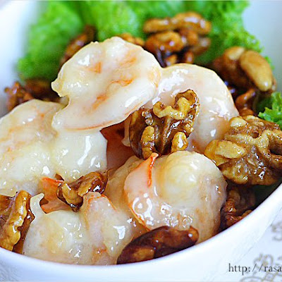 Honey Walnut Shrimp / Walnut Prawn Recipe (核桃虾)