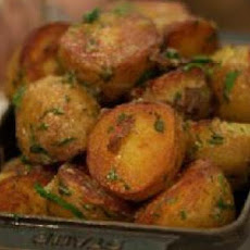 Greek-Style Garlic-Lemon Potatoes