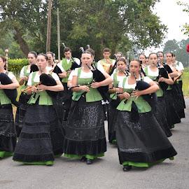 San Salvador day by Lidia Noemi - People Musicians & Entertainers ( camino, pueblo, musicos, gaiteros, taragoña, people, crowd, humanity, society )