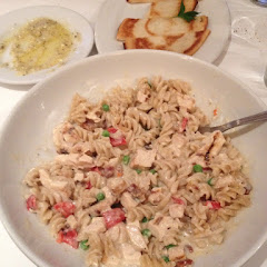 Gluten free chicken Alfredo  and gluten free bread. We thought was better than the non gluten free m