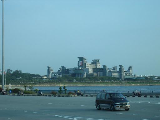 Przejście graniczne Singapur-Malezja, rodem z Gotham City