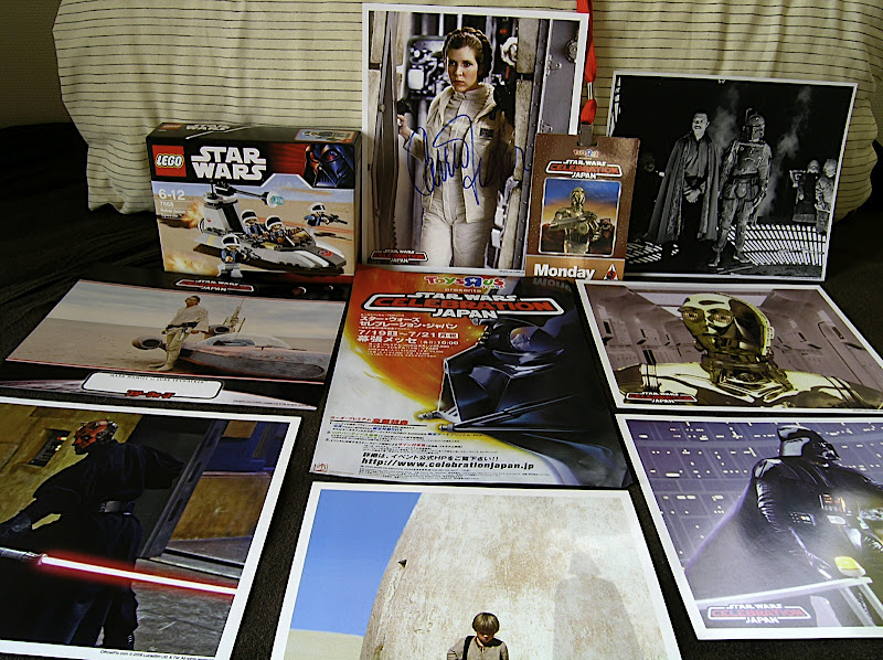 All my Star Wars Celebration souvenirs (I bought even more photos)