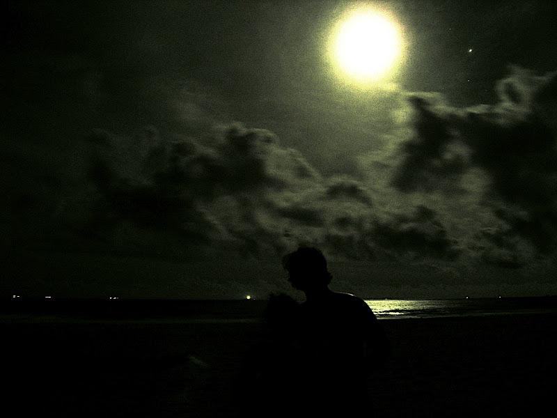 Moon over Izu 04