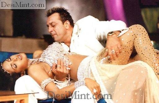 Priyanka_chopra_hot_masala_scenes
