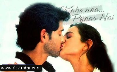 Hot-Amisha-Patel-Kissing-Still-Image-Pics