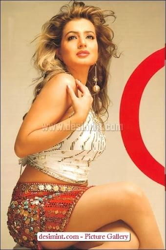 Hot-Amisha-Patel-Sexy-Pics