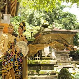 pawiwahan is wedding in bali by Oka Aristana - Wedding Bride ( bali, married, prawed, wedding, couple, artcenter )