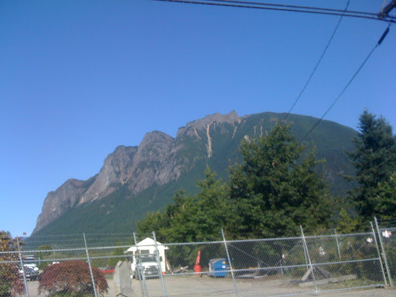 Mount Si as seen from the road