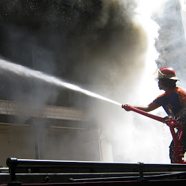 Fire Fighter by Chandra Kushartanto - News & Events Disasters (  )