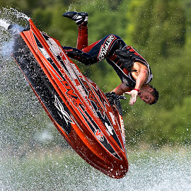 by Dave Hudson - Sports & Fitness Watersports ( red, green )