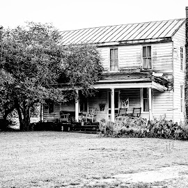 Southern Livin by Innocensia Salazar - Buildings & Architecture Homes ( home, houses, black and white, architecture, places, travel, historic, country, southern, comfort, virginia, repair, antique, porch )