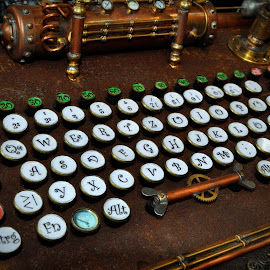Bizarre Keyboard by Marco Bertamé - Artistic Objects Other Objects ( keyboard, fond de gras, steam punk, artistic, festival, luxembourg )