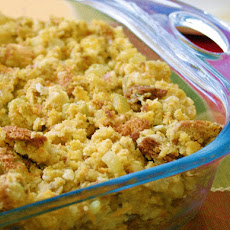 Thanksgiving Vegan Cornbread Stuffing with Gravy