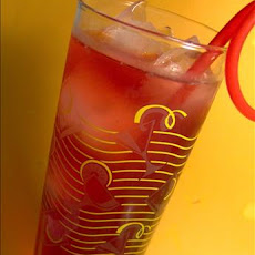 Hibiscus & Rose Hip Iced Tea With Cranberry Juice