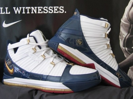 4f922e6d1601 ... Reminiscent of Zoom LeBron III 8211 Nike Zoom Soldier II ...
