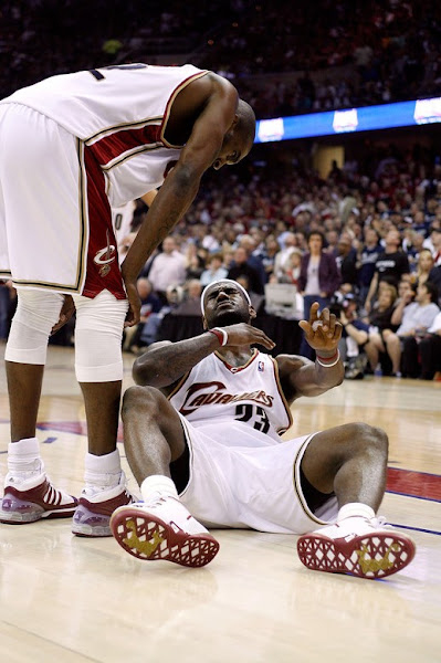 2008 NBA Playoffs R2G3 LeBron and the Cavs Get One Back