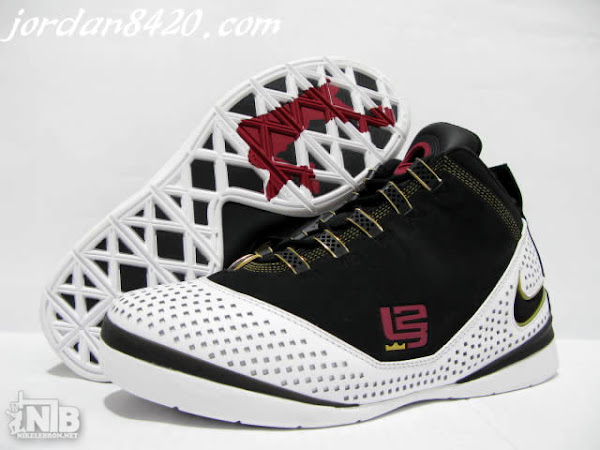 Anticipated Nike Zoom Soldier II Black White Red