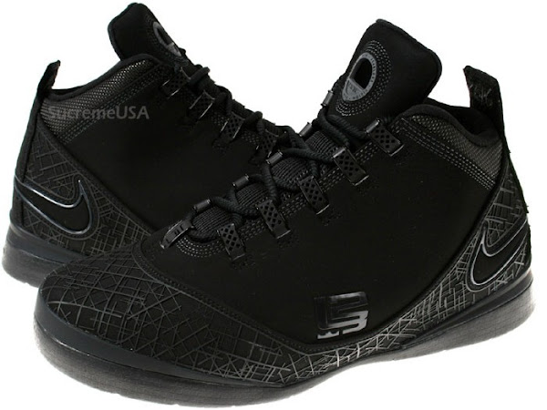 Photos of the Latest LeBron Release All Black ZSII