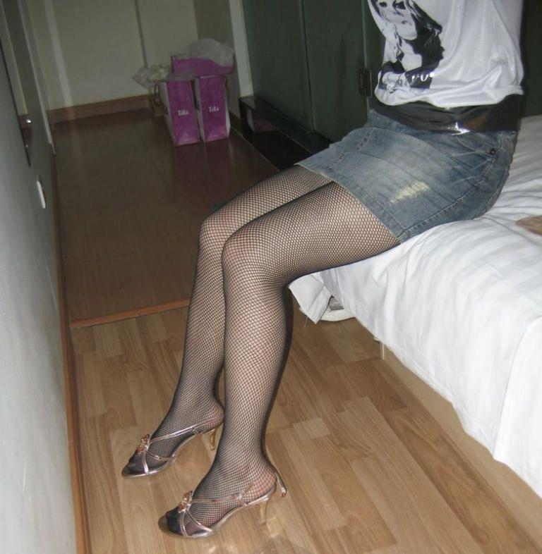 姐妹比美腿
