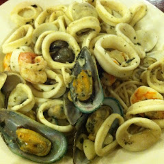 Bella Roma Pescatore with garlic and oil