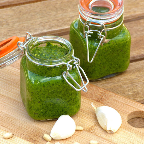 Raw Vegan Pesto Sauce