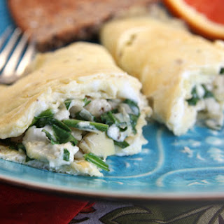 {Healthy} Spinach Artichoke Omelet
