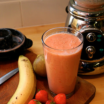 Strawberry, Banana And Pear Smoothie