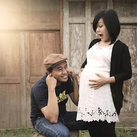 Funny Maternity by Nicolas Ginting - People Maternity