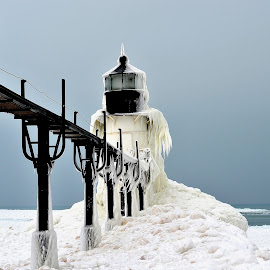 St. Joseph Light House, MI by Lora Grant - Buildings & Architecture Public & Historical