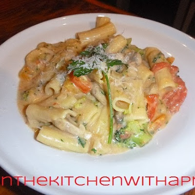 Veggie Rigatoni with Cheese Sauce