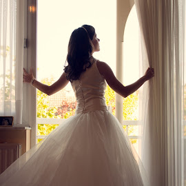 The beginning by Bardt Wauters - Wedding Getting Ready ( love, dress, wedding, getting ready, bride,  )