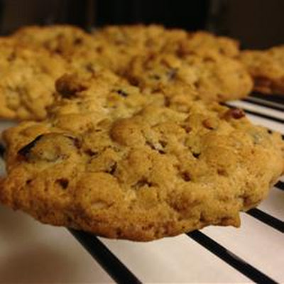 Cranberry-Nut Oatmeal Cookies
