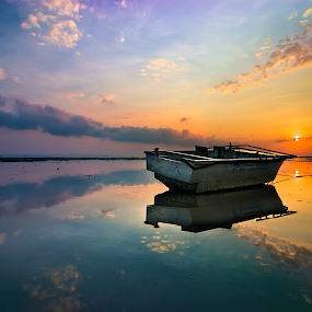 Cloud reflection by Yossy Ryananta - Landscapes Waterscapes ( mirror, reflection, sky, kenjeran, wide angle, cloud, beach, sunrise, boat,  )
