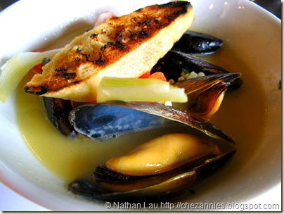 Town mussel soup