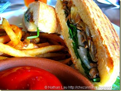 Town portabello mushroom panini 2